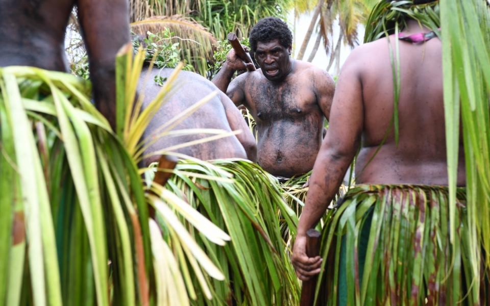 03/12/17 - Lifou Tribu Drueulu - Moment solennel d'acceuil sur les terres de la Tribu Gaïca à Lifou