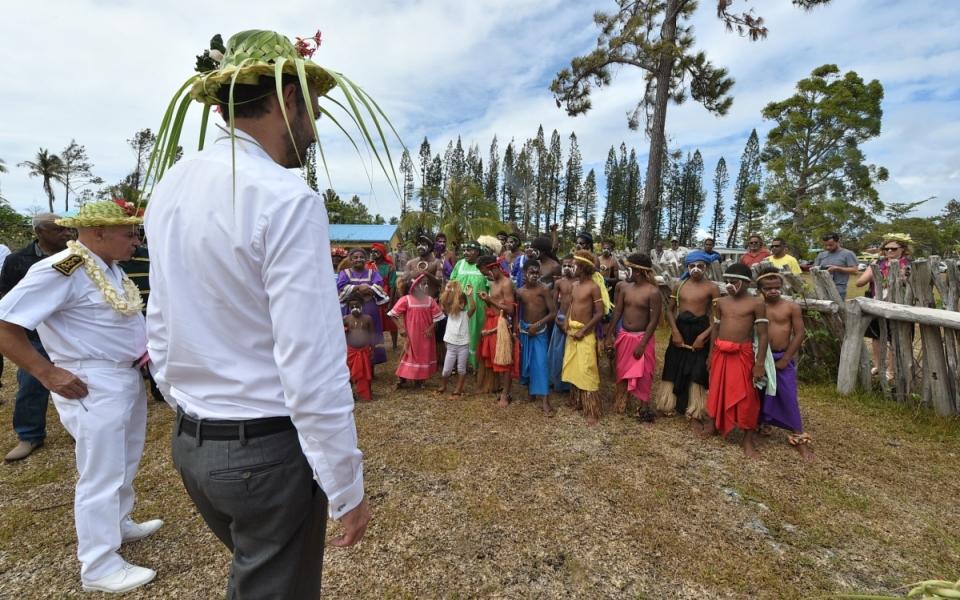03/12/17 - Lifou Tribu de Wetr -  Accueil du Premier ministre à la grande chefferie du Wetr  à Hnatalo.