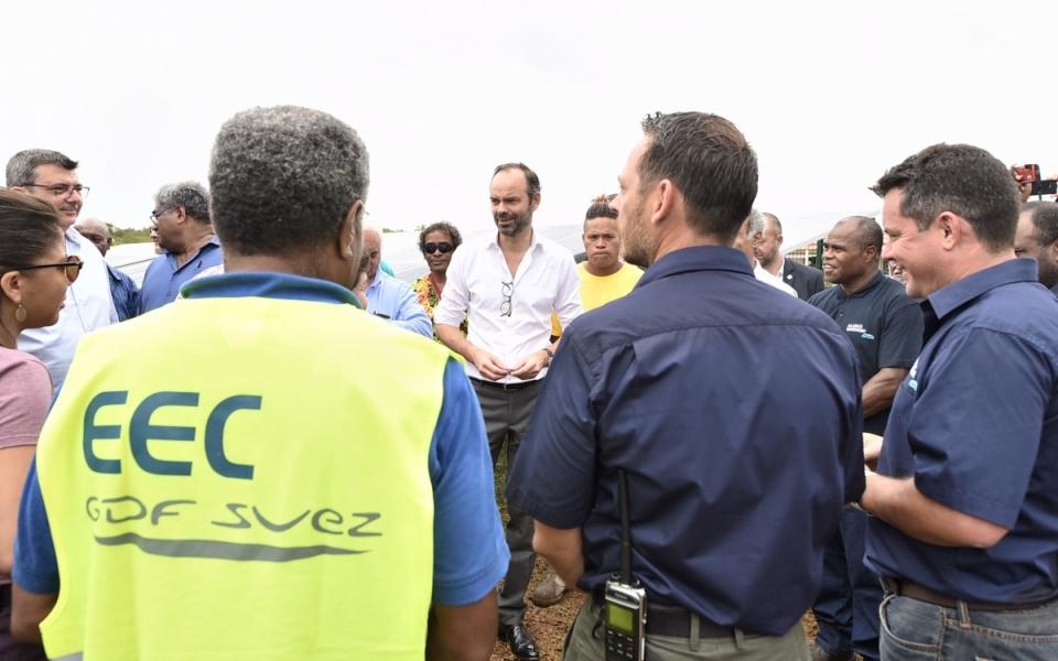 03/12/17 - Echanges avec le personnel de la station photovoltaïque de Hapetra.