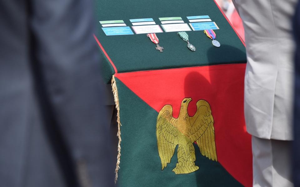 L'Aigle de Camerone. L'emblème est remis chaque année à la garde d'un Régiment pour un an à l'occasion de la réunion des Chef de Corps.