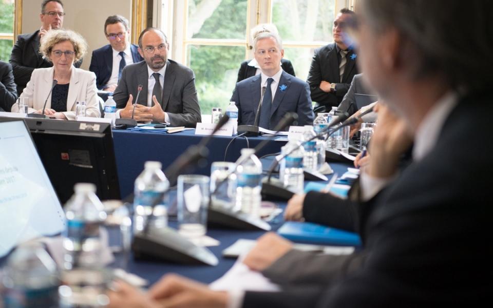 Le Premier ministre, Édouard Philippe, préside en compagnie de Bruno Le maire, ministre de l'Économie et des Finances et Muriel Pénicaux, ministre du Travail, la réunion du conseil exécutif du Conseil national de l'Industrie (CNI)