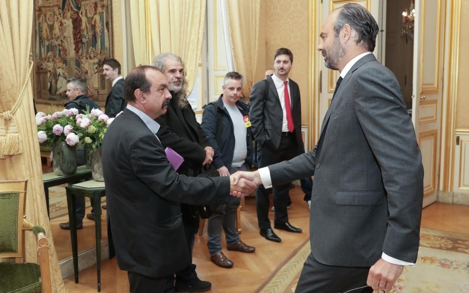 Le Premier ministre, Édouard Philippe, accueille Philippe Martinez, secrétaire général de la CGT (Confédération générale du travail) et sa délégation.