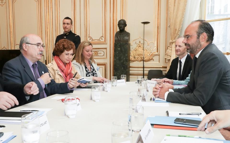 Le Premier ministre, Édouard Philippe et Élisabeth Borne, ministre des Transports, avec la délégation de l'UNSA (Union nationale des syndicats autonomes)