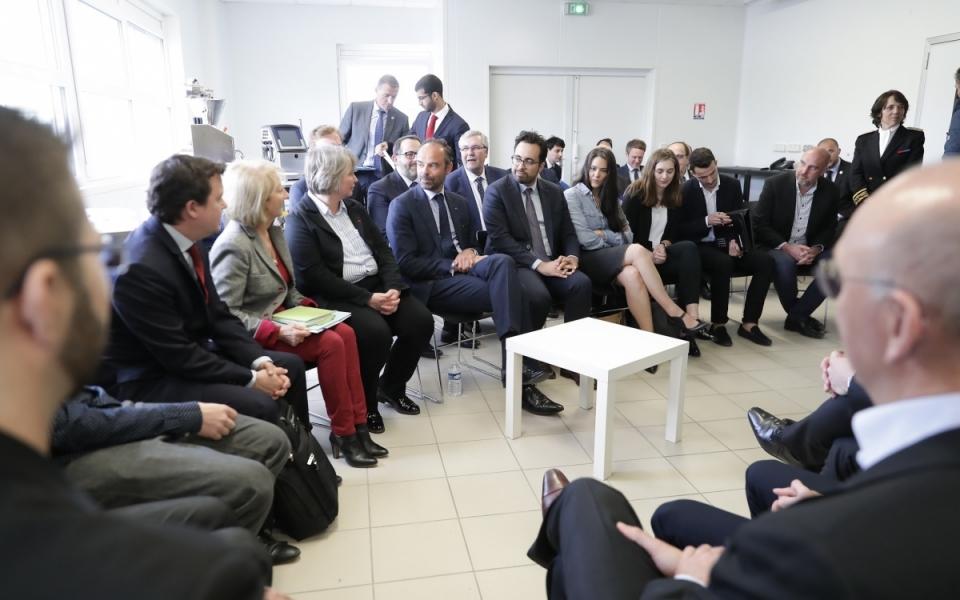 Le Premier ministre échange avec les personnels des laboratoires GeniAlis  - 3 mai 2018