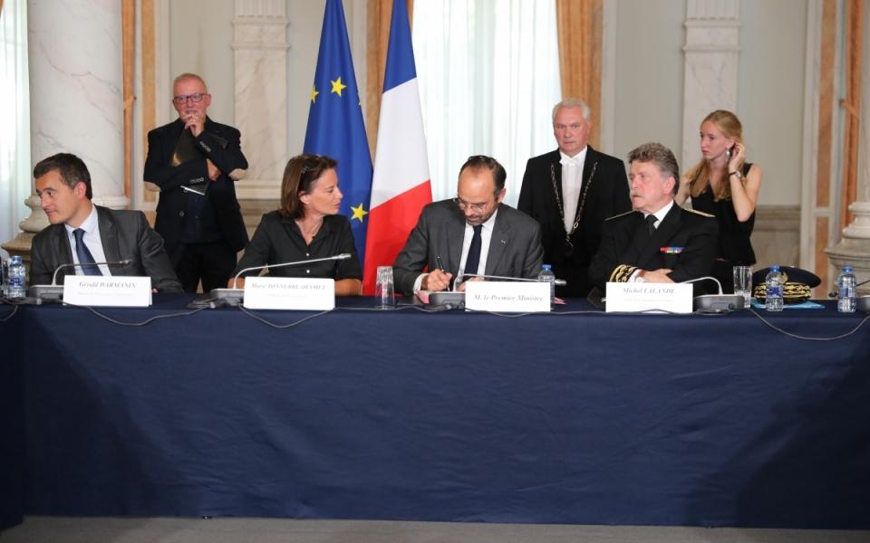Signature de contrats à Lille