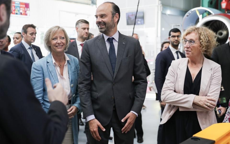 08/06 - Arrivée du Premier ministre à Safran Nacelles où il a été accueilli par la ministre du Travail, Muriel Pénicaud, et la secrétaire d'État chargée des Personnes handicapées,Sophie Cluzel
