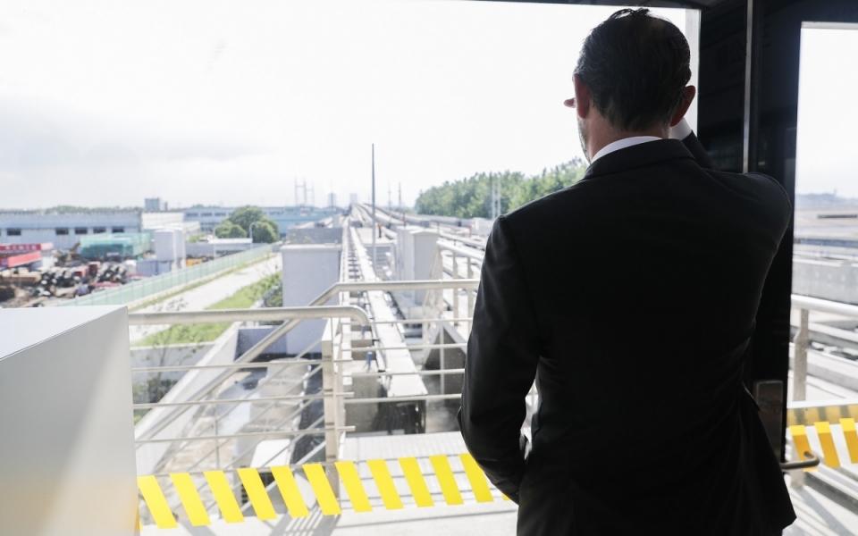 Le 23 juin 2018 : le Premeir minsitre dans métro PuJiang Line, première ligne de métro automatisée de Chine.