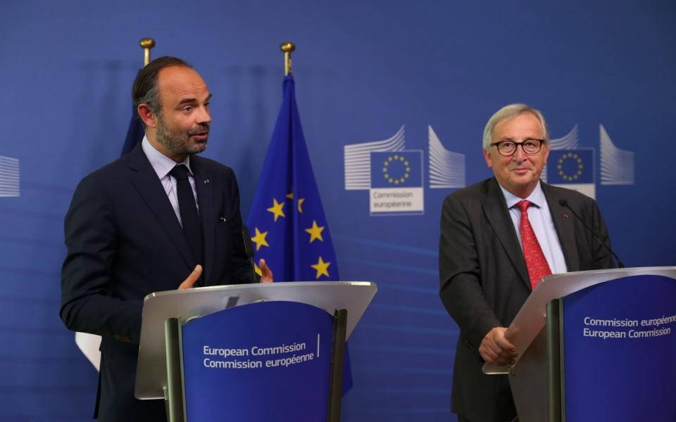 Edouard et Philippe et Jean-Claude Juncker pendant la conférence de presse conjointe