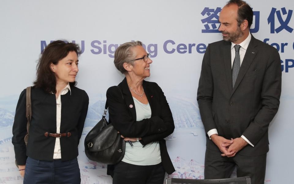 Le 23 juin 2018 : signature du partenariat entre les ports de Shanghai et de Marseille-Fos entre la France et la Chine. Le Premier ministres est aux côtés d'Elisabeth Borne et Delphine Gény-Stephann.