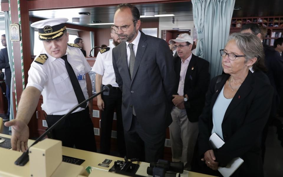 Le 23 juin 2018 : visite du port en eaux profondes de Yangshan. Le Premier ministre est à bord du navire Théodore Roosevelt de Cmacgm, parmi les plus grands acteurs du commerce maritime mondial.
