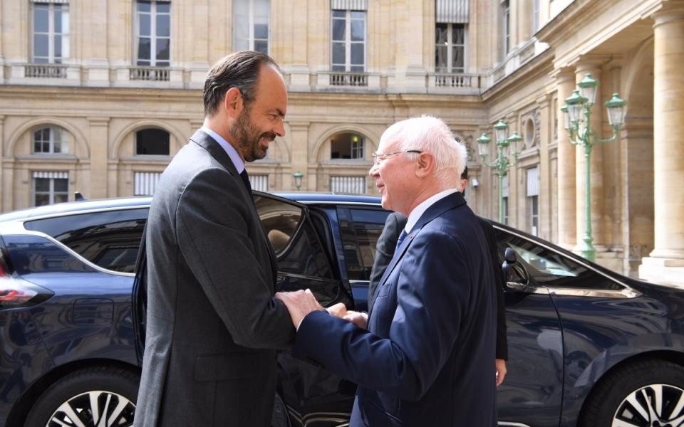 Le Premier ministre, Édouard Philippe, à son arrivée au Conseil d'tat est reçu par Bruno Lasserre, le vice-présidentd de l'instance