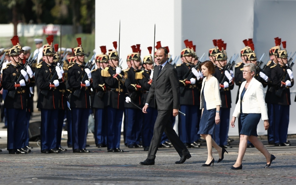 Le Premier ministre, la ministre des Armées et la secrétaire d'Etat auprès de la ministre des Armées arrivent place de la Concorde