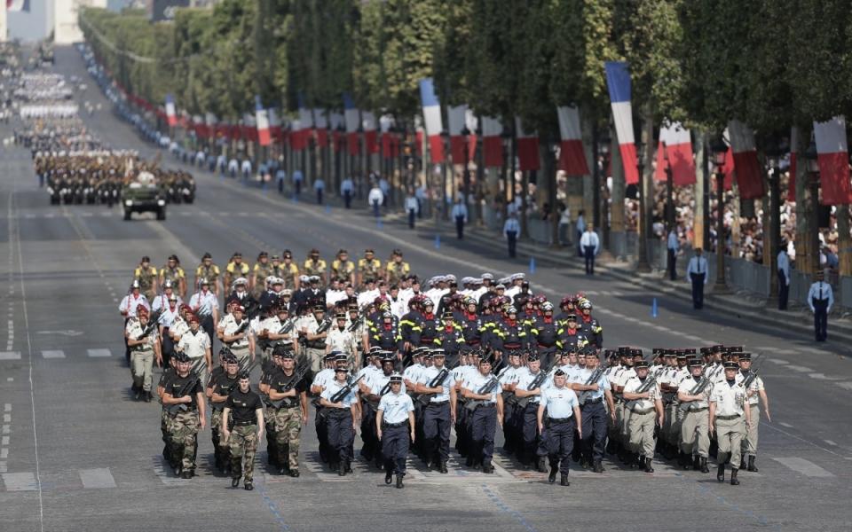 Le défilé met cette année à l'honneur l'engagement des forces armées et des services de l'Etat aux Antilles à la suite du passage de l'ouragan Irma