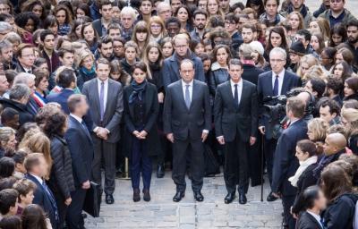 Accédez à l'article : Attentats de Paris : la France en guerre