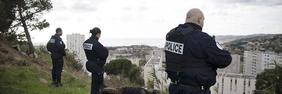 Photo de policiers dans le quartier de la Viste38 à Marseille