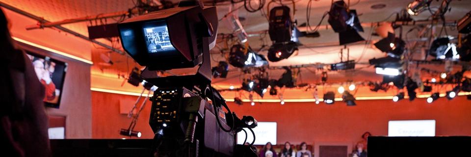 Photo d'un plateau de télévision