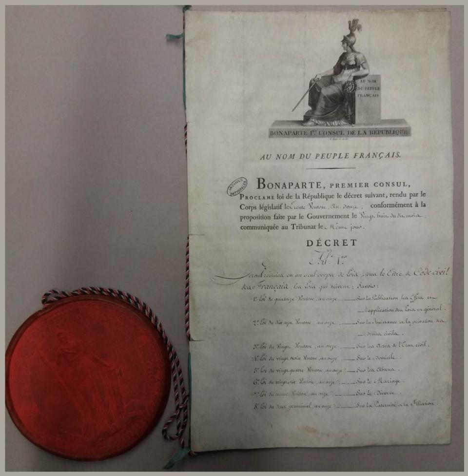 Original de la loi proclamant loi de la République le décret réunissant en un seul coprs de lois le Code civil des Français - voir en plus grand