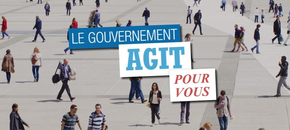 """Des Français dans la rue, avec un message """"le Gouvernement agit pour vous"""""""