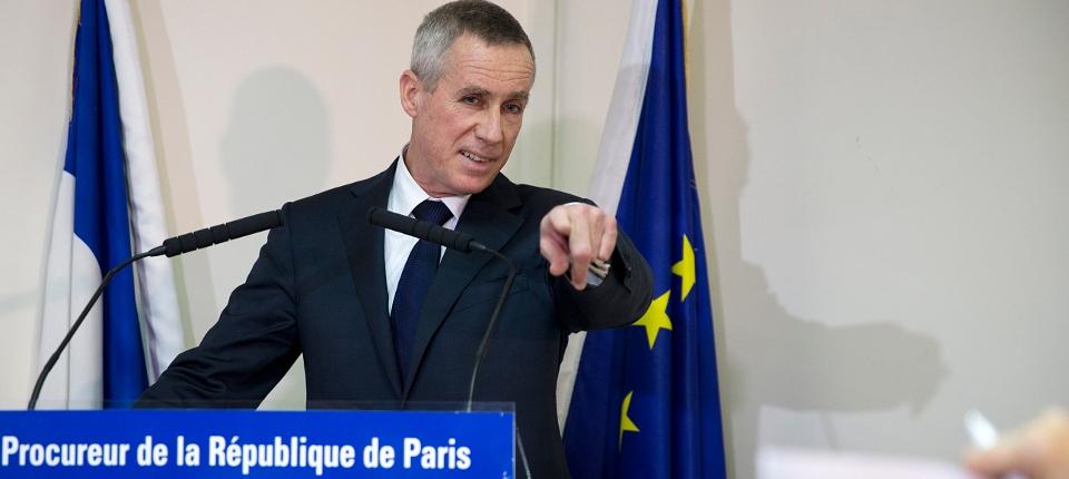 Photo du procureur de la République de Paris lundi 17 novembre donnant une conférence de presse sur l'implication de Français dans les crimes de Daech.