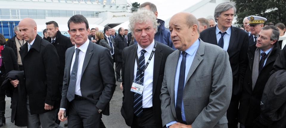 Photo de Manuel Valls en Bretagne le 18 décembre 2014 avec le maire de Brest, Jean-Yves Le Drian et Stéphane Le Foll.