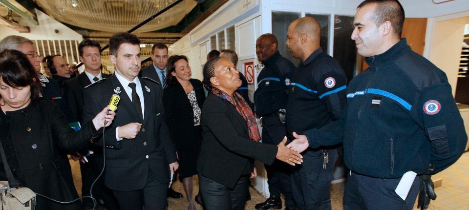 Christiane Taubira visite la prison de Fresnes