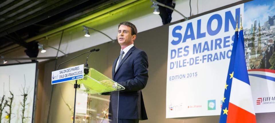 Photo de Manuel Valls au salon des maires d'Ile-de-France le 14 avril 2015.