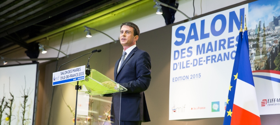 Photo de Manuel Valls au salon des maires d'Ile-de-France le 14 avril 2015.