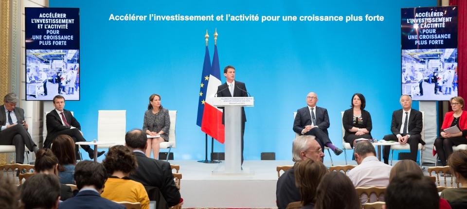 Photo de Manuel Valls le 8 avril 2015 lors de la présentation de nouvelles mesures pour l'investissement