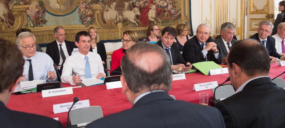 Manuel Valls réunit la nouvelle gouvernance des politiques de l'emploi issue de la loi du 5 mars 2014
