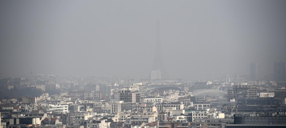 Photo de Paris lors d'un pic de pollution atmosphérique