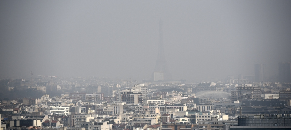 Photo de Paris lors d'un pic de pollution atmosphérique