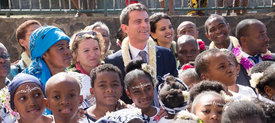 Manuel Valls lors de son déplacement à Mayotte, le 13 juin 2015
