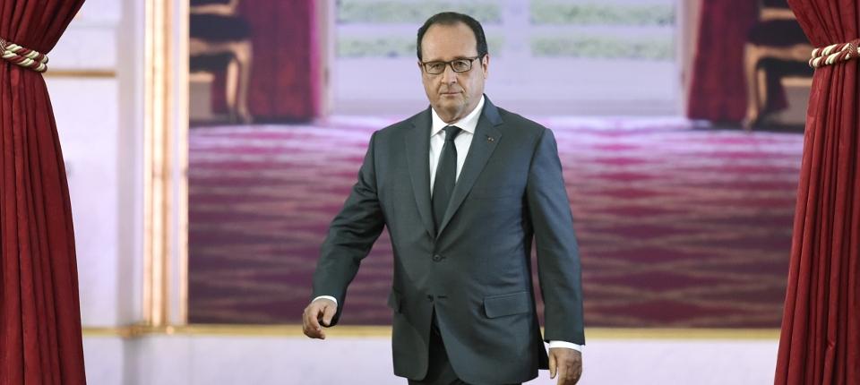 Photo du président François Hollande arrivant pour sa 6ème conférence de presse semestrielle le 7 septembre 2015 à l'Elysée