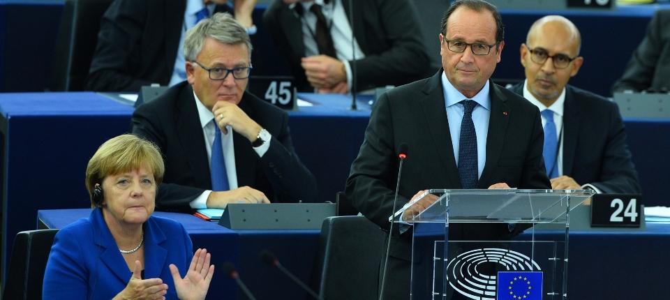 Photo de François Hollande et Angela Merkel au Parlement européen le 7 octobre 2015