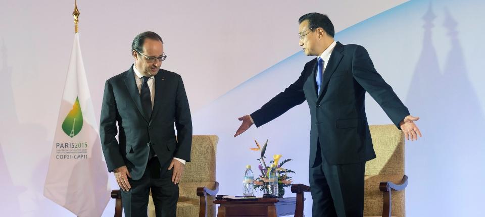 Photo de François Hollande avec le Premier ministre chinois Li Keqiang le 3 novembre à Pékin.