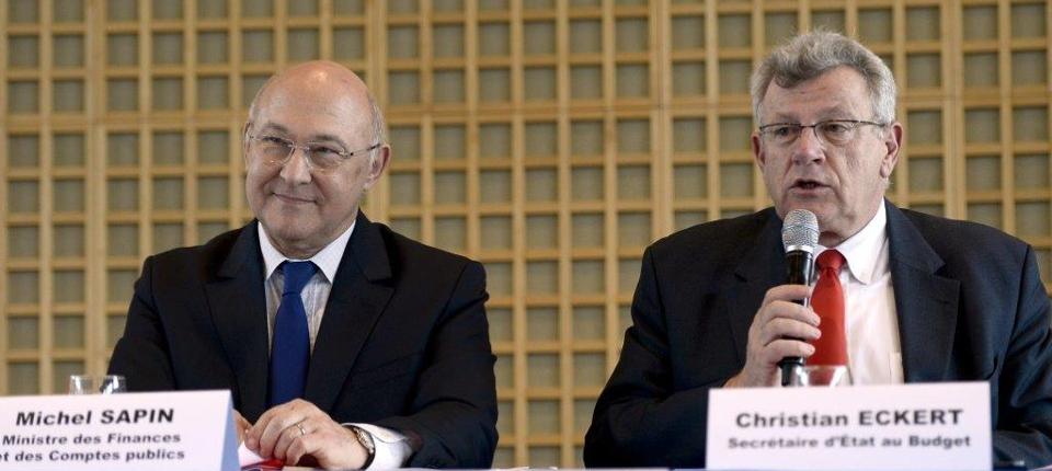 Photo de Michel Sapin et Christian Eckert lors d'une conférence de presse à Bercy.