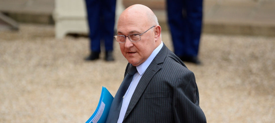 Michel Sapin à la sortie du Conseil des ministres