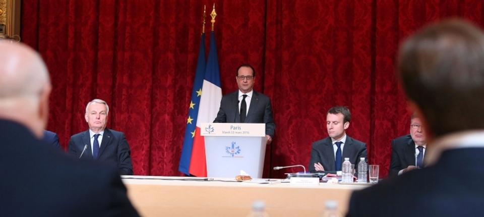 Photo de François Hollande réunissant le conseil de l'attractivité le 22 mars 2016