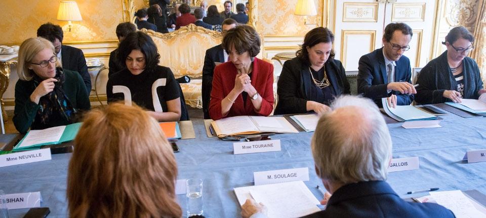 Réunion sur le plan de la lutte contre la pauvreté et l'exclusion