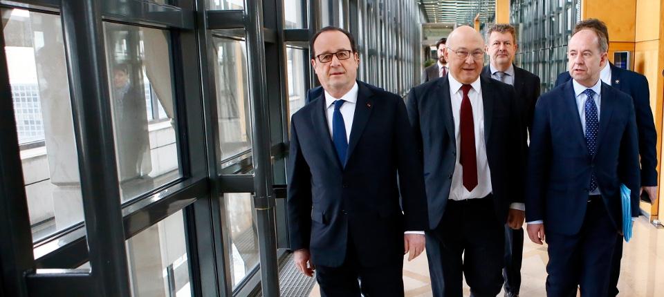 François Hollande, Michel Sapin et Jean-Jacques Urvoas lancement l'Agence française anticorruption