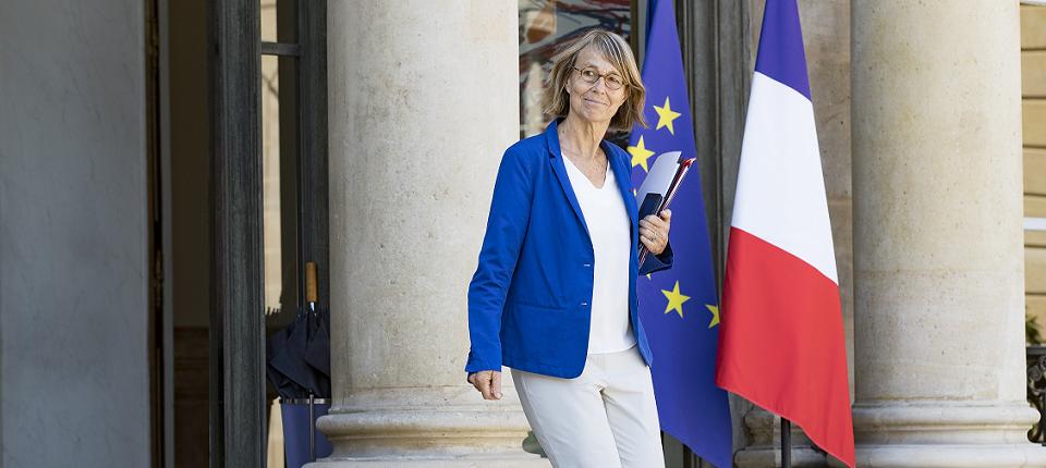 Françoise Nyssen sortant de l'Elysée