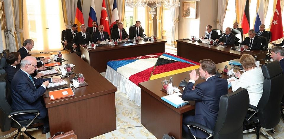 Les participants au sommet sur le Syrie à Istanbul