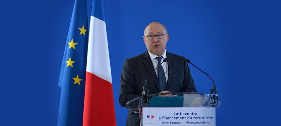 Photo de Michel Sapin à la conférence de presse à Bercy sur l'action contre le financement du terrorisme du 23 novembre 2015