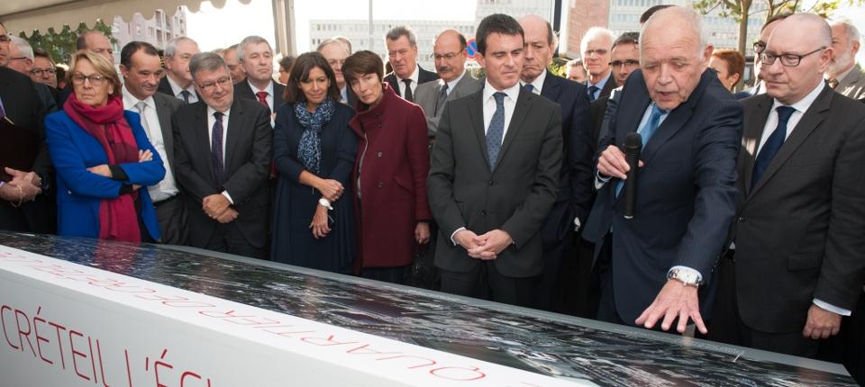 Manuel Valls lors de la présentation du projet du Grand Paris à Créteil