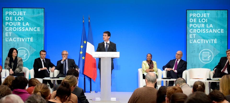 Manuel Valls lors de la présentation du projet de loi activité et croissance à l'Elysée