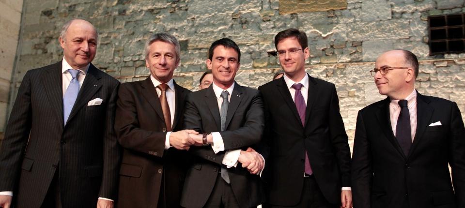 Photo de Laurent Fabius, Laurent Beauvais, Manuel Valls, Nicolas Mayer-Rossignol et Bernard Cazeneuve le 13 février 2015 à Honfleur.