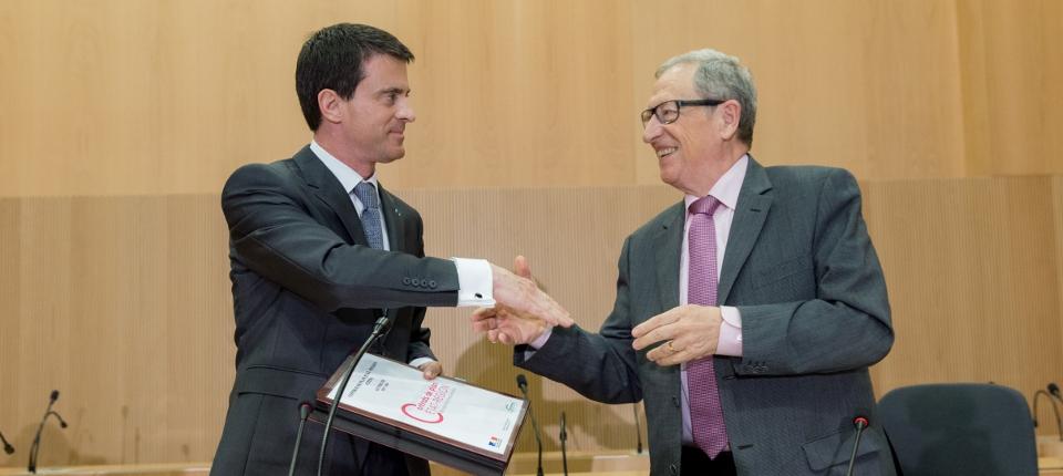 Manuel Valls lors de la signature du Contrat de plan État-région