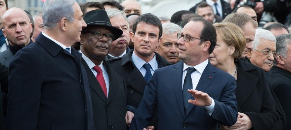 Manuel Valls et François Hollande pendant la marche du 11 janvier