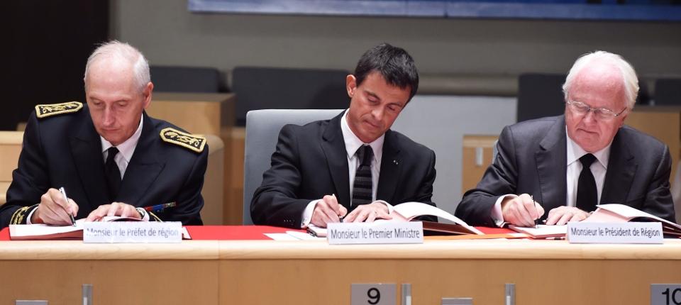 Manuel Valls signe le Contrat de plan État-région Provence-Alpes-Côte d'Azur