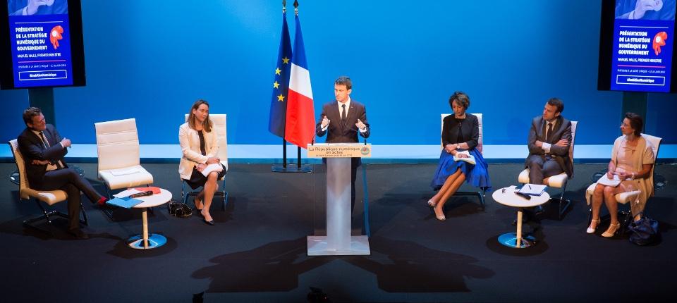 Manuel Valls présente la stratégie numérique à la Gaîté Lyrique